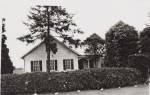CL Schumm house & yard 1947
