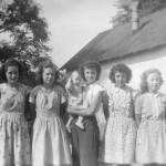 Ella (Roehm) Thieme, Phyllis (Gunsett) Dietrich, Florence (Schumm) Miller holding Virginia (Hofmann) Fickert, Esther (Schumm) Krueckeberg, Helen (Roehm) Schwartz