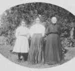 3 Generations: Edna Germann, Rosina (Schumm, w/o Stephen Germann, 1868-1954), Maria Germann Schumm (1847-1915, w/o Frederick Schumm)