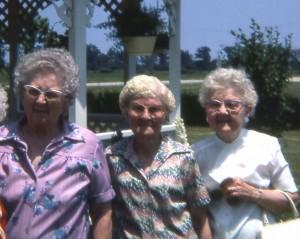 Scaer sisters: Elsie Roehm, Hilda Schumm, Edna Schumm.