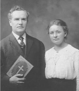 Rev. W.F.H. & Anna Kristina (Dismeier) Heuer.